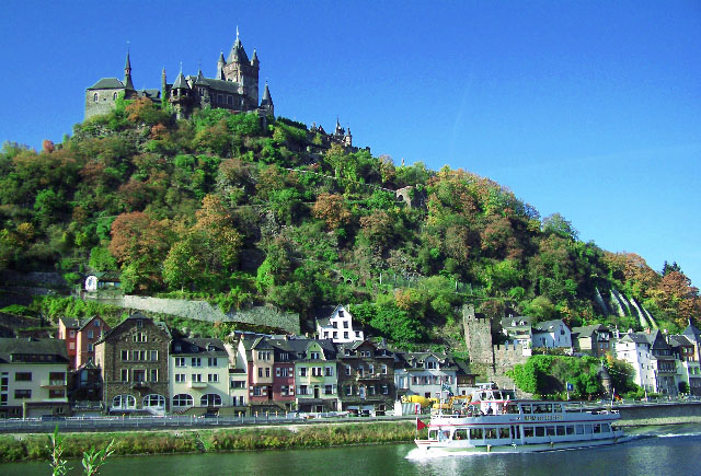 Moselle cochem moselle hotels pensions holidays for Designhotel mosel